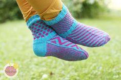 Crochet Blogs, Knit Crochet, Knitting Socks, Fashion, Knit Socks, Moda, Fashion Styles, Ganchillo, Fashion Illustrations