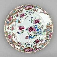 Jingdezhen Porcelain (Jiangxi Province, China) —  Plate, c.1730-1750 : Royal Collection Trust, Her Majesty Queen Elizabeth II, UK (1988x2000)