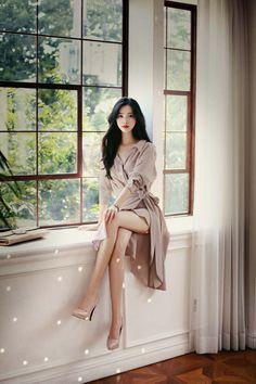 Korean Beauty Girls, Sexy Asian Girls, Asian Beauty, Cute Skirt Outfits, Chic Outfits, Fashion Outfits, Asian Fashion, Girl Fashion, Womens Fashion