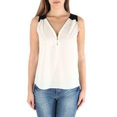 Blusa feminina sem mangas, com leve transparência e detalhe de zíper na gola - Emma's Closet