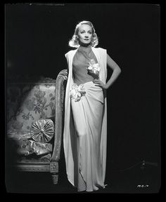 Marlene Dietrich. Hollywood glamour