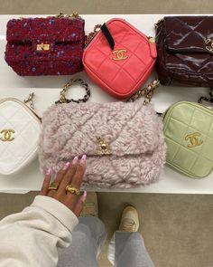 Cute Handbags, Purses And Handbags, High End Fashion, Look Fashion, Tennis Bags, Luxury Purses, Cute Purses, Clutch Wallet, Louis Vuitton Monogram