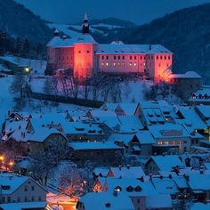 Castle above the snow-covered roofs of the old town centre of Škofja Loka. ❄ Photo by Sašo Kočevar. Thanks @visit_skofjaloka for sharing your photo with #ifeelsLOVEnia.
