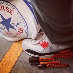'Chilling with the man @PINS_Artist Only right we customise this @Converse bag!' @rednivars #mycanvasjourney #RaviMJC