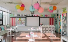 Elementary Classroom Themes, Kindergarten Classroom Decor, Classroom Board, Classroom Decor Themes, First Grade Classroom, Classroom Design, New Classroom, Classroom Ideas, Themes For Classrooms