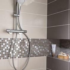 Faïence mur blanc lin Loft brillant x cm Zen Bathroom, Modern Master Bathroom, Bathroom Design Small, Grey Bathrooms, Bathroom Fixtures, Bathroom Interior, Bathroom Hooks, Bathroom Ideas, Bad Inspiration