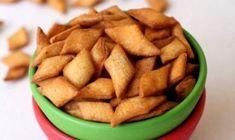 Parotta Recipe - How to make Parotta - South Indian Breakfest Recipes Veg Recipes, Indian Food Recipes, Vegetarian Recipes, Cooking Recipes, Pickle Mango Recipe, Easy To Make Snacks, Raw Banana, Indian Breakfast, Chutney Recipes