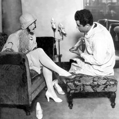 Joan Crawford and Salvatore Ferragamo in 1923
