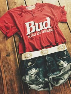Bud Reconstructed Tee www. Bud Reconstructed Tee www. Best Picture For lany Concert Outfit For Your Taste You are looking for something, and it is going to tell you exactly what you are looking for, Rodeo Outfits, Western Outfits, Western Wear, Girl Outfits, Cute Outfits, Fashion Outfits, Country Outfits For Women, Summer Country Outfits, Concert Outfits