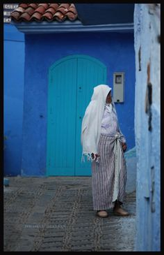 White djelaba matched the town.  #People of #Morocco - Maroc Désert Expérience tours http://www.marocdesertexperience.com