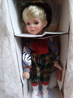 Last in Lot of Porcelain Dolls at Billy's Second Hand Finds on Facebook and physically located in Northeast Philadelphia. Porcelain Doll Makeup, Porcelain Dolls For Sale, China Porcelain, China Dinnerware Sets, Two Hands, Collection, Philadelphia, Facebook, Dress