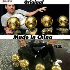 Messi vs Cristiano.R Cristiano Vs Messi, Cr7 Messi, Messi Vs Ronaldo, Messi Soccer, Lionel Messi, Neymar, Messi 10, Funny Football Memes, Soccer Jokes