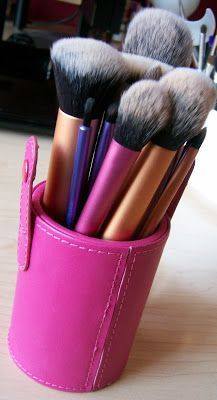 Great Real Techniques make up brushes Now the promotion, discount of $ 5 on their 1 orders less than $ 40 or $ 10 on their first purchase over $ 40 with coupon iHerb OWI469 http://videos.sapo.pt/9CCS0yzK9WspmHA5o7fC Beauty Broadcast: My Real Techniques Brush Collection  Review! #realtechniques #realtechniquesbrushes #makeup #makeupbrushes #makeupartist #brushcleaning #brushescleaning #brushes