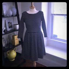 Banana Republic Stripped Dress Sz 6 Gently worn, like new, black with white stripes, size 6 for and flare dress. Banana Republic Dresses Midi