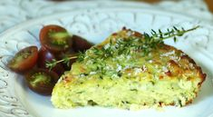 Baked Zucchini Pie - we had this last week, it was similar to quiche without the calories or gluten you'd have in a crust. Good and enjoyed it for lunch the next day too. Greek Recipes, Light Recipes, Real Food Recipes, Cooking Recipes, Yummy Food, Baked Zucchini Fritters, Zucchini Pie, Vegetable Recipes, Vegetarian Recipes