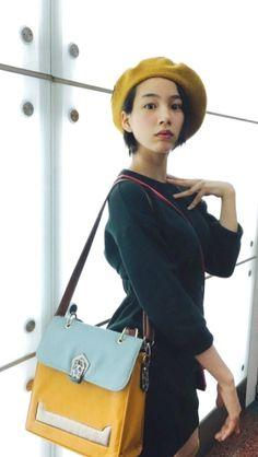 Twitter:@nounen0812 :こ、この鞄は、、まさかブログにもたくさん登場してるあの鞄 #のん #能年玲奈