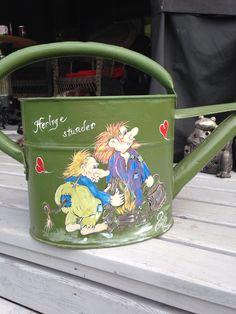 Malt Kettle, Kitchen Appliances, Mugs, Tableware, Garden, Painting, Pour Over Kettle, Diy Kitchen Appliances, Teapot