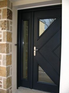 Here's a collection of the latest front door ideas and trends. The best part is: it's the second best return-on-your-investment renovation. Modern Exterior Doors, Double Doors Interior, Modern Front Door, House Front Door, Glass Front Door, House Doors, Home Door Design, Door Design Interior, Main Door Design