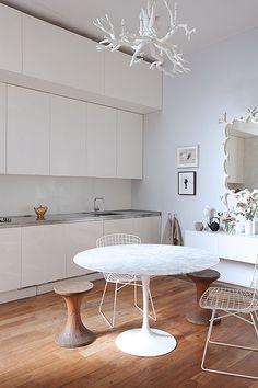 Modern kitchen with Saarinen table