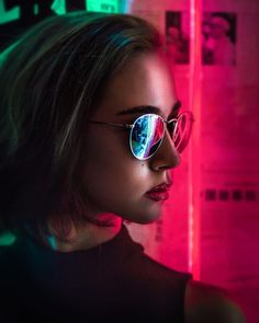 The most beautiful photos on this site Neon Lights Photography, Colour Gel Photography, Creative Portrait Photography, Dark Photography, Creative Portraits, People Photography, Night Photography, Amazing Photography, Fashion Photography