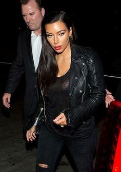 Kim Kardashian Photos Photos - Kim Kardashian arrives at LAX. - Kim Kardashian Spotted at LAX