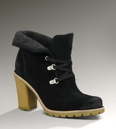 so love these boots.... want themm...Womens Calynda By UGG Australia    http://www.uggaustralia.com/womens-calynda-lace-up-ankle-boots/1002166,default,pd.html