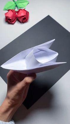 Paper Folding Crafts, Paper Mache Crafts, Paper Crafts Origami, Paper Crafts For Kids, Diy Paper, Diy Crafts Hacks, Diy Crafts For Gifts, Diy Projects, Instruções Origami