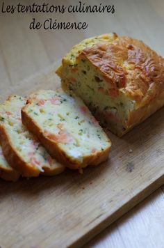 Cake au saumon fumé, aneth et feta