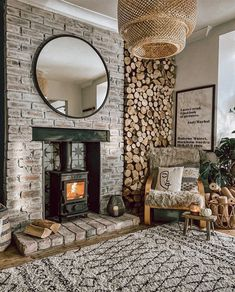 Lekto's kiln-dried fire wood is made from hardwood birch logs that have been heated in a kiln to remove most of the dampness from the wood. 📸 @jade.doutch Beautiful Interiors, Beautiful Homes, House Beautiful, Kiln Dried Firewood, Living Room Decor Colors, Edwardian House, Home Comforts, Home Living Room, Decoration