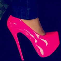 I'm going to start collecting shoe colors like this.(: