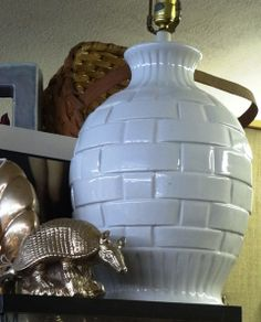 Vintage white ceramic basket weave table lamp.
