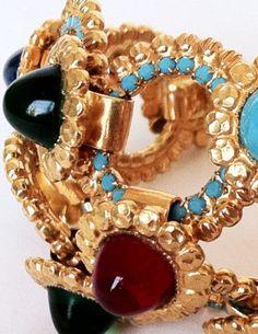 William DeLillo - Bracelet - Métal Doré, Cabochons Façon Saphir, Rubis, Turquoise, Emeraude et Cristal de  Swarovski Turquoise - Années 70