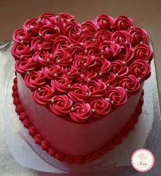 28 Ideas For Birthday Cake Elegant Simple Desserts Valentines Cakes And Cupcakes, Valentine Desserts, Valentine Cake, Cupcake Cakes, Buttercream Birthday Cake, Baby Birthday Cakes, Cake Icing, Mom Birthday, Buttercream Frosting