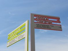 Drawing on Metz's heritage in the steel industry, Baur designed a sign system in aluminium cut by water jet.