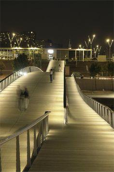 simone-de-beauvoir-footbridge