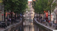 Amsterdam will soon be home to its first printed bridge. Once completed, the ornately designed structure will span 39 feet across one of Amsterdam's canals in the red-light district. 3d Printing Business, 3d Printing Industry, Impression 3d, Bridge Model, Amsterdam Red Light District, Steel Bridge, Amsterdam Canals, Amsterdam Bridge, Amsterdam Netherlands