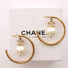 Exklusive Ohrringe von Chanel in Gold - feminin und extravagant