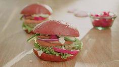 Hamburger végétalien style falafel - Cuisinez! - Télé-Québec Vegan Burgers, Salmon Burgers, Quebec, Mets, Falafel, Ethnic Recipes, Food, Style, Gram Flour