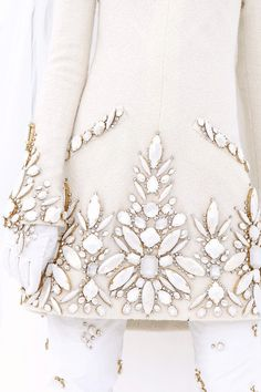 Chanel Haute Couture F / W 2006 Couture Chanel – Beads Couture Embroidery, Embroidery Fashion, Beaded Embroidery, Hand Embroidery, Embroidery Designs, Couture Details, Fashion Details, Fashion Design, Chanel Couture