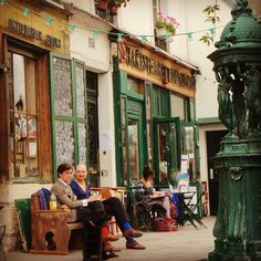 Shakespeare & Co. - Paris.  ASPEN CREEK TRAVEL - karen@aspencreektravel.com