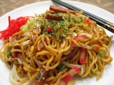 Yakisoba - best with beef/chicken, broccoli, scallion, mushrooms and bean sprouts