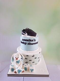 Baby shower cake by Anneke van Dam