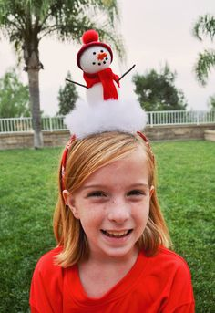 Turn heads with this adorable snowman headband (pun intended) - #CraftyisContagious by Club Chica Circle.