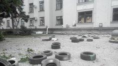 Луганское ОГА, 2 июня 2014 - Фото pic.twitter.com/8zjfW1trI7