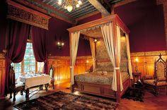 La Chambre du Roy du Château Hôtel 5* de Vault de Lugny.