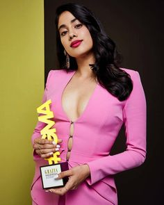 Janhvi Kapoor Rocks A Pink Button Down Pant Suit Like A Boss At Grazia Millennia… - Women's fashion and Women's Bag trends Bollywood Actress Hot Photos, Indian Actress Hot Pics, Indian Bollywood Actress, Bollywood Girls, Beautiful Bollywood Actress, Bollywood Celebrities, Bollywood Memes, Bollywood Bikini, Bollywood Style
