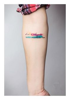 I've always wanted a water colour tattoo. They're so beautiful.