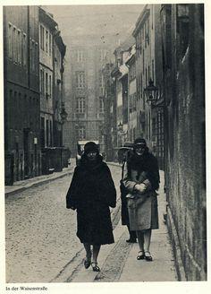 Herbert Hoffmann Berlin 1920ies Waisenstrasse
