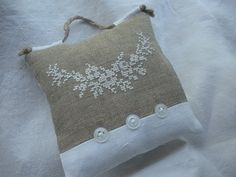 this is lovely, it could make a nice sachet - - - Album : coussinets Free Cross Stitch Charts, Cross Stitch Pillow, Just Cross Stitch, Cross Stitch Finishing, Lavender Bags, Lavender Sachets, Ribbon Embroidery, Cross Stitch Embroidery, Hessian Crafts