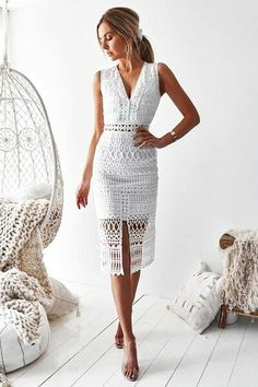 Scarlet Lace Midi Dress - White Scarlet Lace Midi Dress in Weiß von Two Sisters the Label Mode Bcbg, Dress Outfits, Fashion Dresses, Party Outfits, Modest Fashion, Scarlett Dresses, White Midi Dress, White Dress Outfit, Trendy Dresses